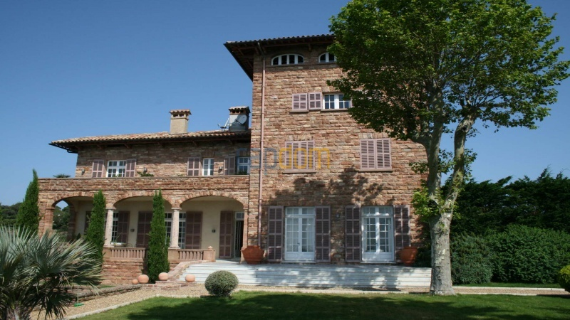 Genuine Castle with vineyards and panoramic sea views for rent heights of Ramatuelle Saint Tropez - castle front