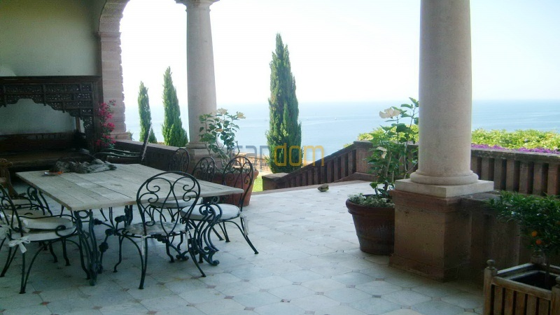 Genuine Castle with vineyards and panoramic sea views for rent heights of Ramatuelle Saint Tropez - patio
