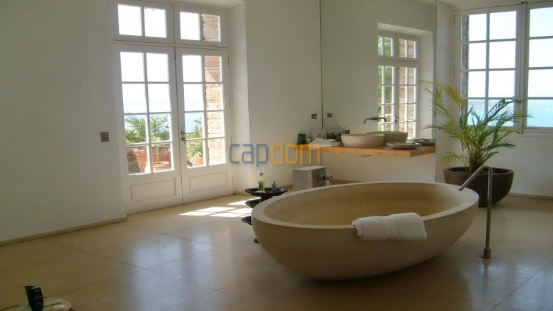 Genuine Castle with vineyards and panoramic sea views for rent heights of Ramatuelle Saint Tropez - bathroom