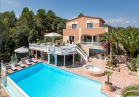 Large upscale Villa with sea view in a dominant position Valbonne Sophia Antipolis near Antibes - bird view