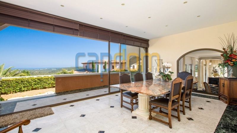 Large upscale Villa with sea view in a dominant position Valbonne Sophia Antipolis near Antibes - dining room