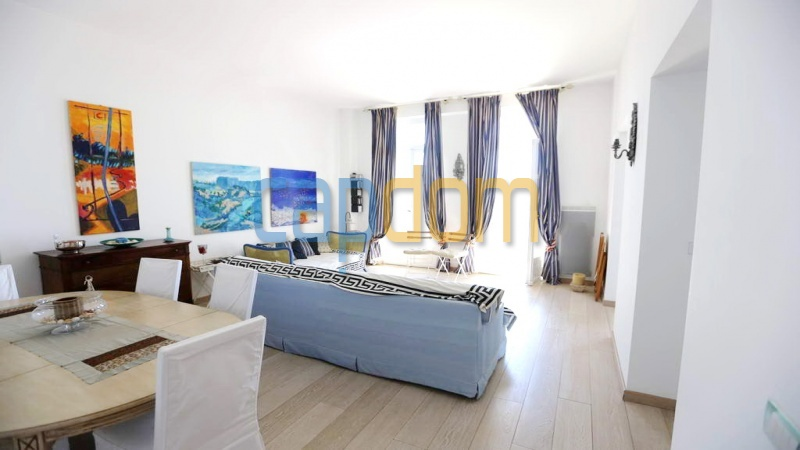 3 bedrooms appartment for sale in perfect condition Grand Hotel Cap Martin - living