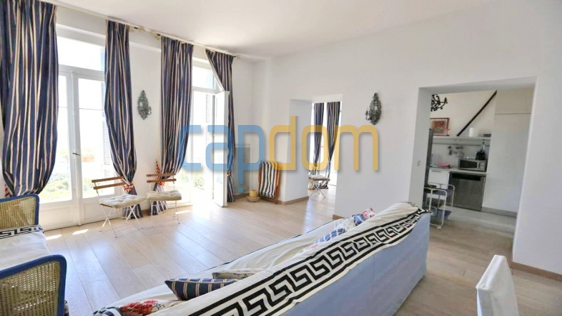 3 bedrooms appartment for sale in perfect condition Grand Hotel Cap Martin - living room