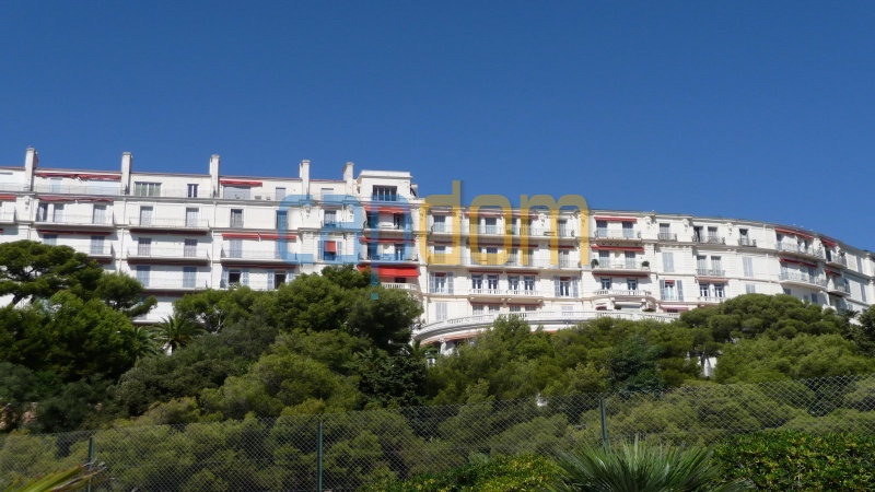 3 bedrooms appartment for sale in perfect condition Grand Hotel Cap Martin - Front