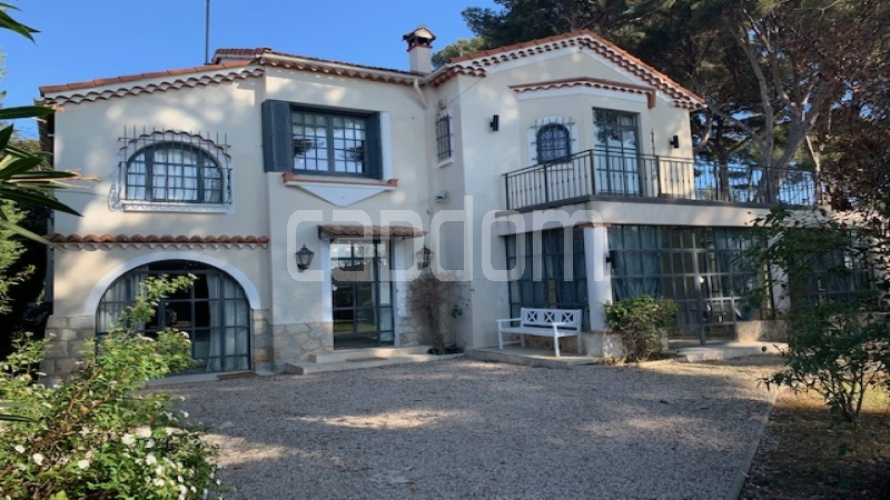 Renovated Villa with lots of charm Cap d.Antibes - Front