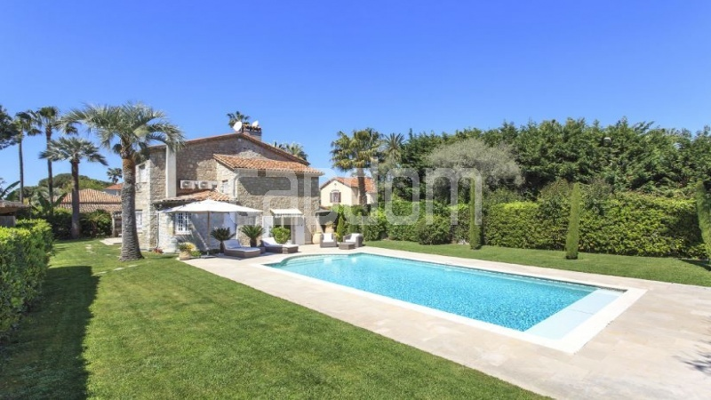 Cap d'Antibes, 4 Bedrooms Bedrooms, ,4 BathroomsBathrooms,Villa,Holiday Rental,1045