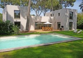 Cap d'Antibes, 4 Bedrooms Bedrooms, ,3 BathroomsBathrooms,Villa,Holiday Rental,1046