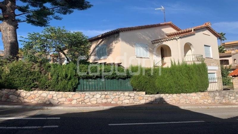 Antibes City, 6 Bedrooms Bedrooms, ,4 BathroomsBathrooms,Villa,For sale,1053
