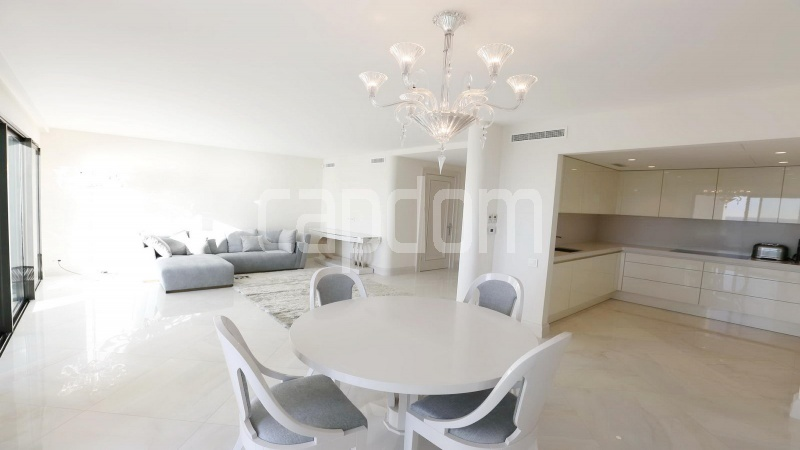 Modern Appartment in waterfront residence Maeterlinck in Nice - Dining area