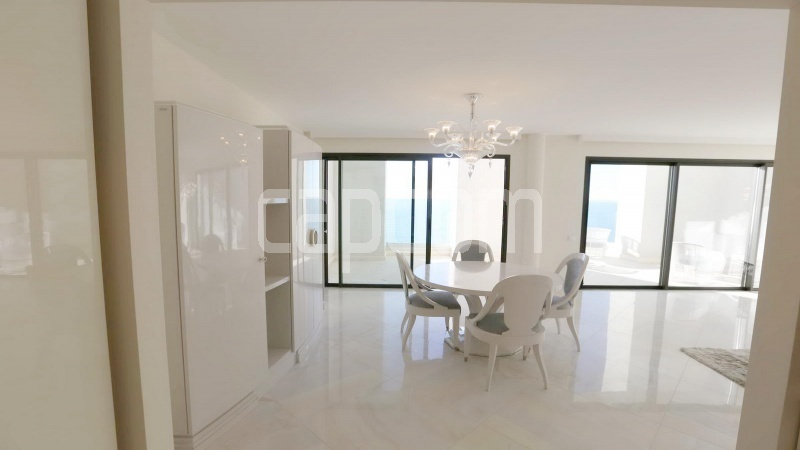 Modern Appartment in waterfront residence Maeterlinck in Nice - Dining room