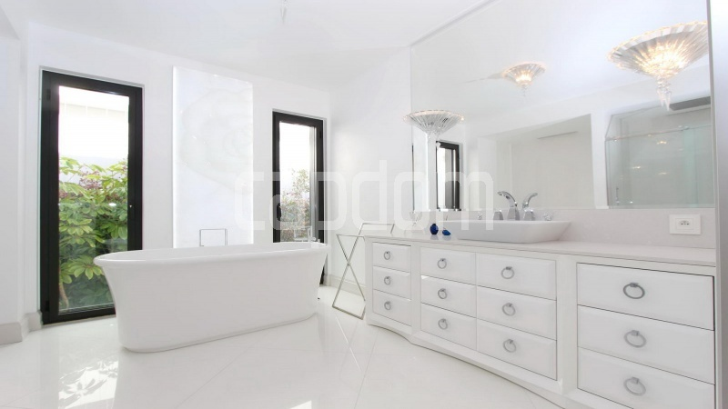 Modern Appartment in waterfront residence Maeterlinck in Nice - bathroom 1