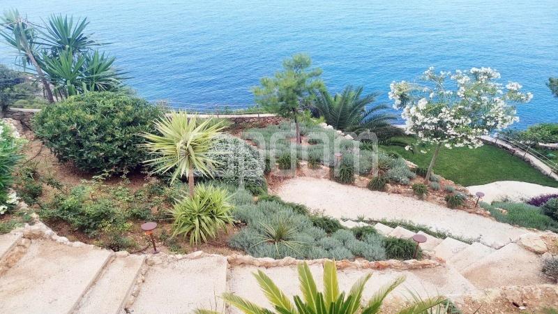 New Waterfront Villa for sale in Roquebrune Cap-Martin - Mediterranean garden