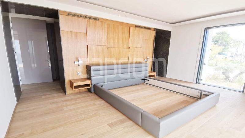 New Waterfront Villa for sale in Roquebrune Cap-Martin - Bedroom 1