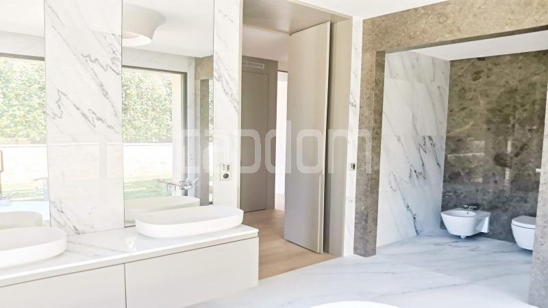 New Waterfront Villa for sale in Roquebrune Cap-Martin - Bathroom3