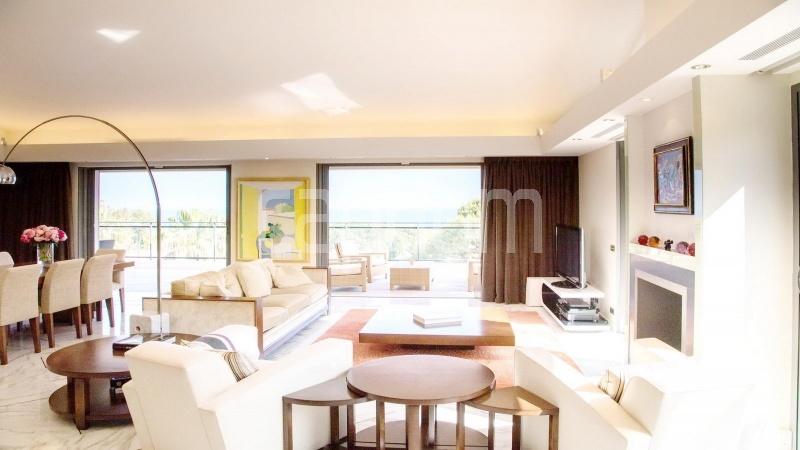 Contemporary large villa for vacation rental in Cap-Ferrat - Living