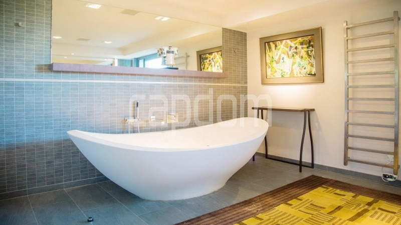 Contemporary large villa for vacation rental in Cap-Ferrat - bathoom 2