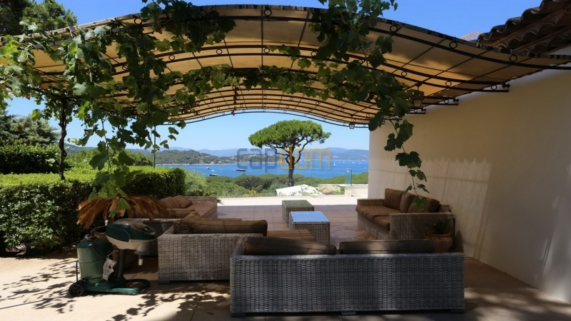 Villa for sale Les Parcs Saint Tropez - pergola sea view
