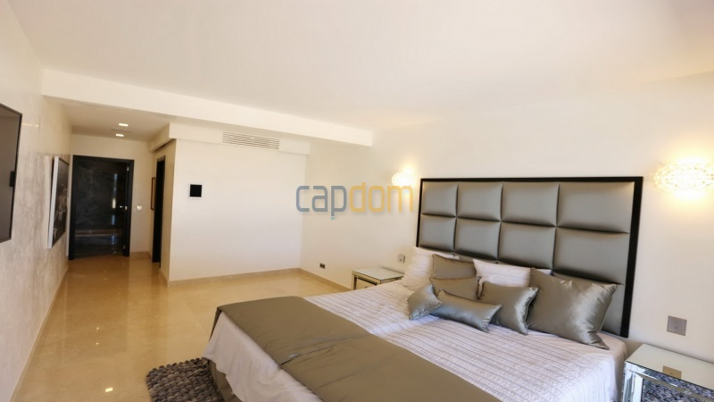 Villa for sale Les Parcs Saint Tropez - master bedroom