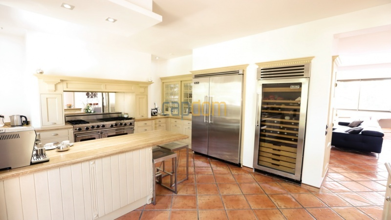 Villa for sale  Cap d'Antibes - kitchen