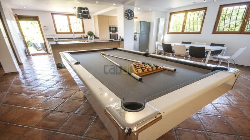 Villa for sale  Cap d'Antibes - billiard room