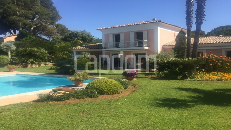 Villa for sale  Cap d'Antibes private domain - frontside