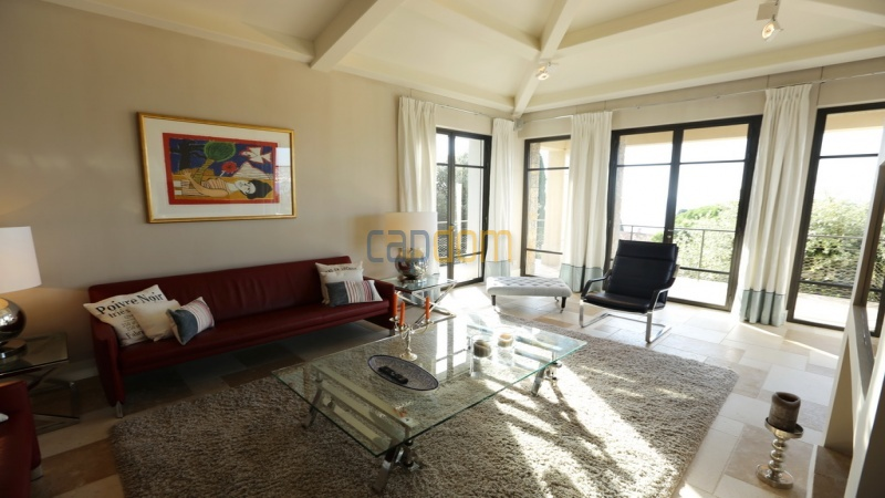Holiday rental villa cap antibes sea view - living room