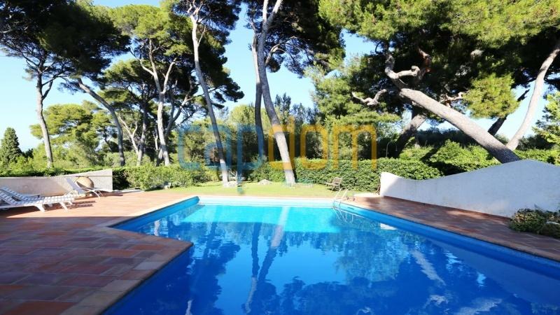 Californian Villa for sale Cap d'Antibes - swimming pool