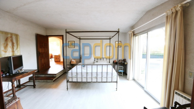 Californian Villa for sale Cap d'Antibes - Master bedroom