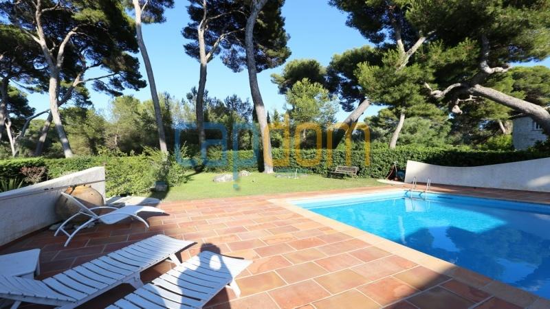 Californian Villa for sale Cap d'Antibes - terrace area