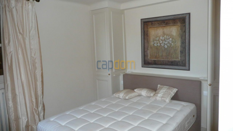 Large stone-built villa for rent cap antibes  - Bedroom 2