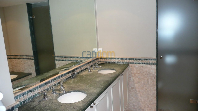 Large stone-built villa for rent cap antibes  - Bathroom 3