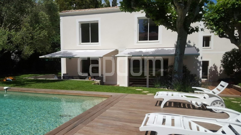 Recently build villa for sale Salis Beach Cap d'Antibes - facade