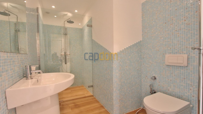 Fully renovated villa west side of Cap d'Antibes near Pecheurs - bathroom 3