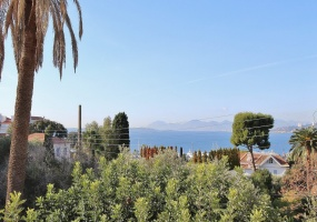 Fully renovated villa west side of Cap d'Antibes near Pecheurs - upper view