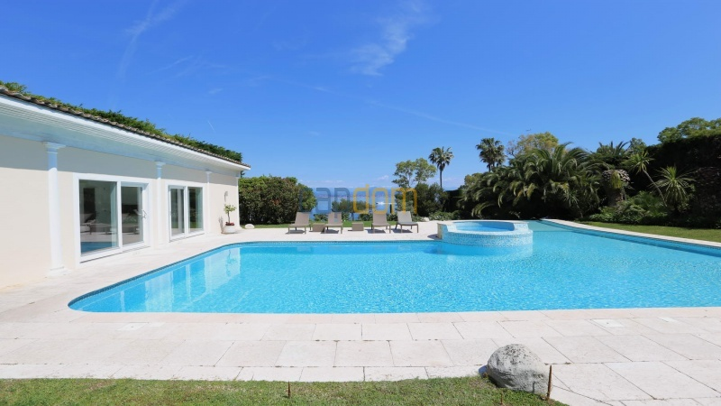 Gorgeous waterfront villa with panoramic sea view  cap d antibes  - pool house