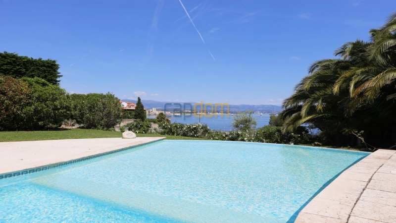 Gorgeous waterfront villa with panoramic sea view  cap d antibes  - old town view