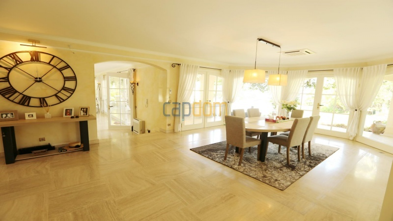 Gorgeous waterfront villa with panoramic sea view  cap d antibes  - dining room