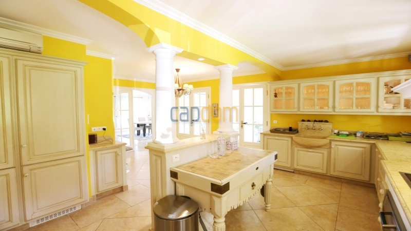 Gorgeous waterfront villa with panoramic sea view  cap d antibes  - main kitchen