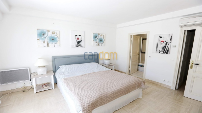 Gorgeous waterfront villa with panoramic sea view  cap d antibes  - bedroom 1
