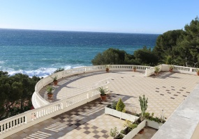 Roquebrune-Cap-Martin,2 Bedrooms Bedrooms,2 BathroomsBathrooms,Apartment,1019