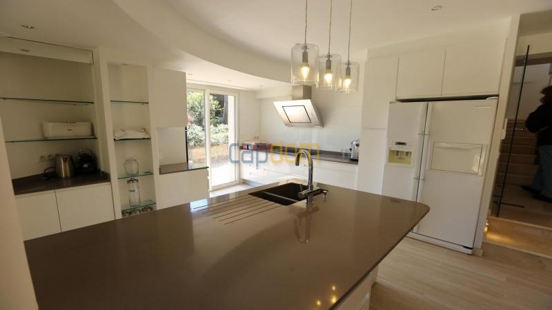 Вилла в тихом месте - Панорамный вид на Гаруп - кухня