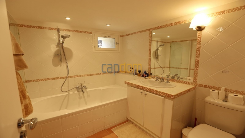 Вилла в тихом месте - Панорамный вид на Гаруп - ванная 3