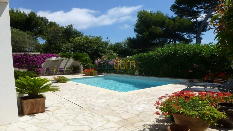 Charming Villa for Holiday Rental near Garoupe Beach Cap d'Antibes - Terrace