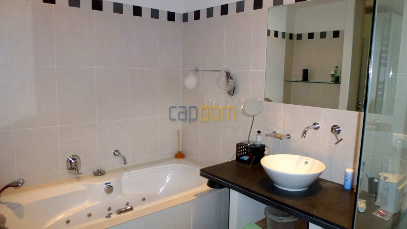 Charming Villa for Holiday Rental near Garoupe Beach Cap d'Antibes - Bathroom 1