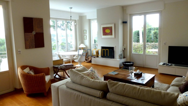 Charming Villa for Holiday Rental near Garoupe Beach Cap d'Antibes - Living room
