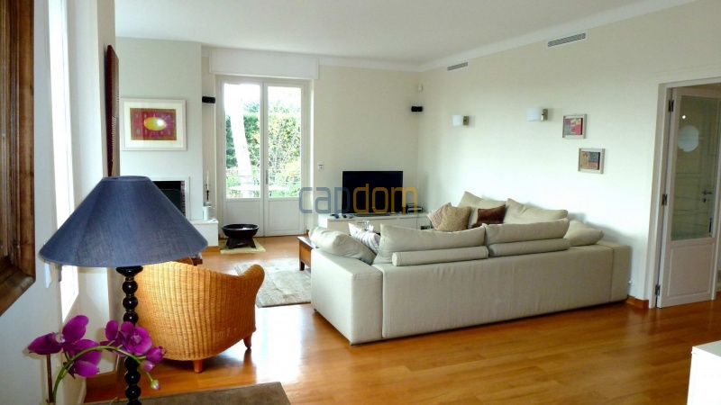Charming Villa for Holiday Rental near Garoupe Beach Cap d'Antibes - TV corner