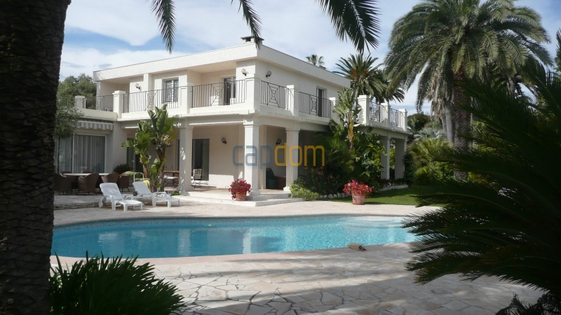Contemporary Villa for rent in Cap Antibes - Pool area