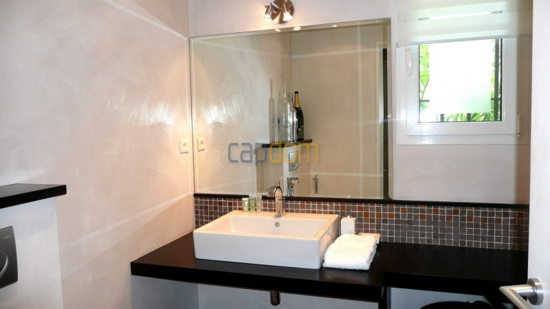 Contemporary Villa for rent in Cap Antibes - Bathroom 1