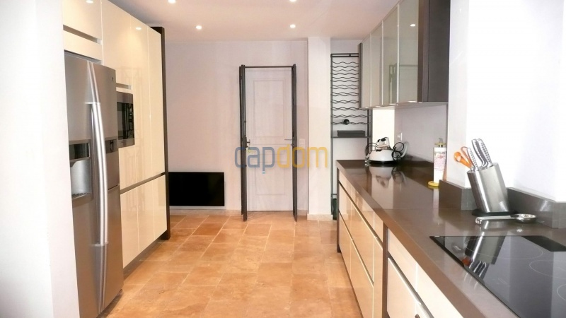 Contemporary Villa for rent in Cap Antibes - Fully equipped Kitchen