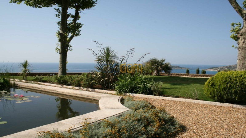 Genuine Castle with vineyards and panoramic sea views for rent heights of Ramatuelle Saint Tropez - sea view